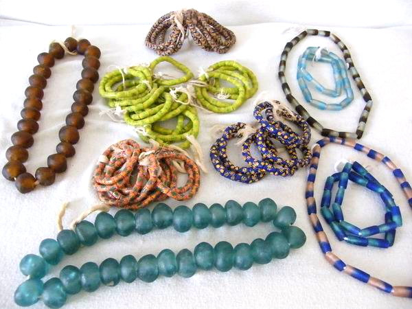 Krobo Ghana recycled trade glass beads Pulver Glasperlen Afrika  Augen 13 mm